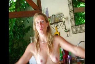 Horny Blonde Wives Hunting For Incredible Creampies