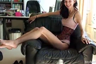 Skinny Blonde Chick, Naomi Gave A Blowjob To A Stranger, Until She Wanted To Feel Him Cum