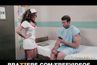 Kinky Nurse Got The Discount Ot Take Care Of Her Patient