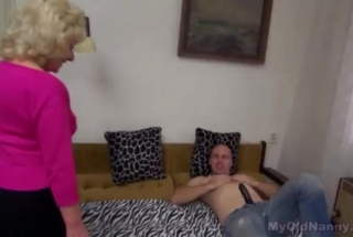 Muscled Stud Gets A Cute Rimjob And Facial